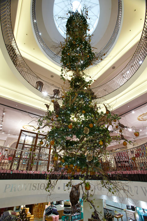 Fortnum & Mason The Art of Christmas - Image 2