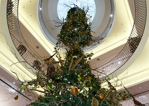 Fortnum & Mason The Art of Christmas - Small Image 2