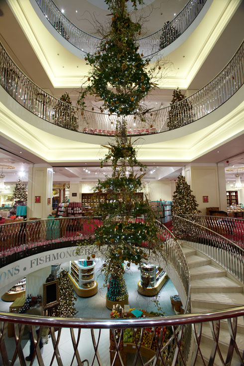 Fortnum & Mason The Art of Christmas - Image 6