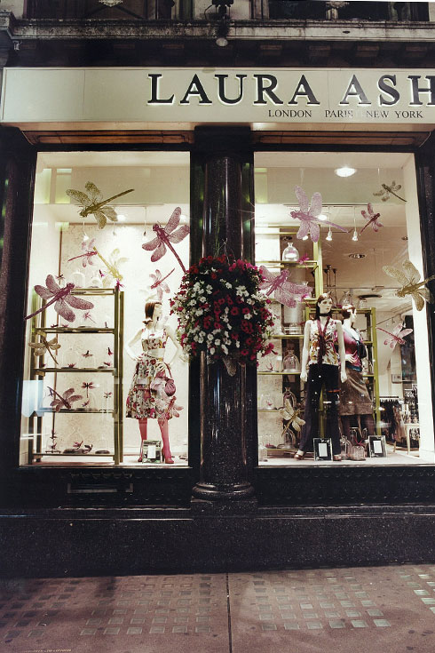 Laura Ashley Oriental - Image 2