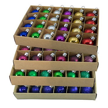 BOXED BAUBLES